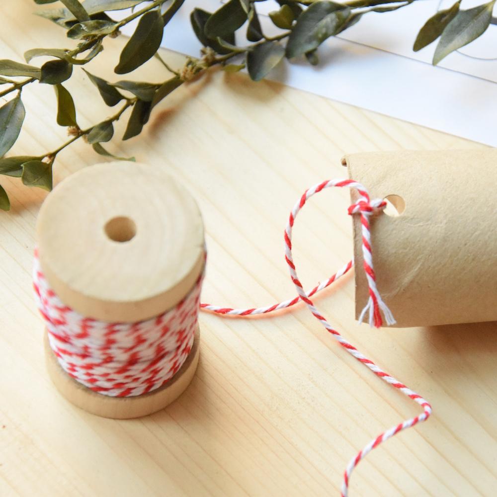 ficelle au rouleau de papier toilette