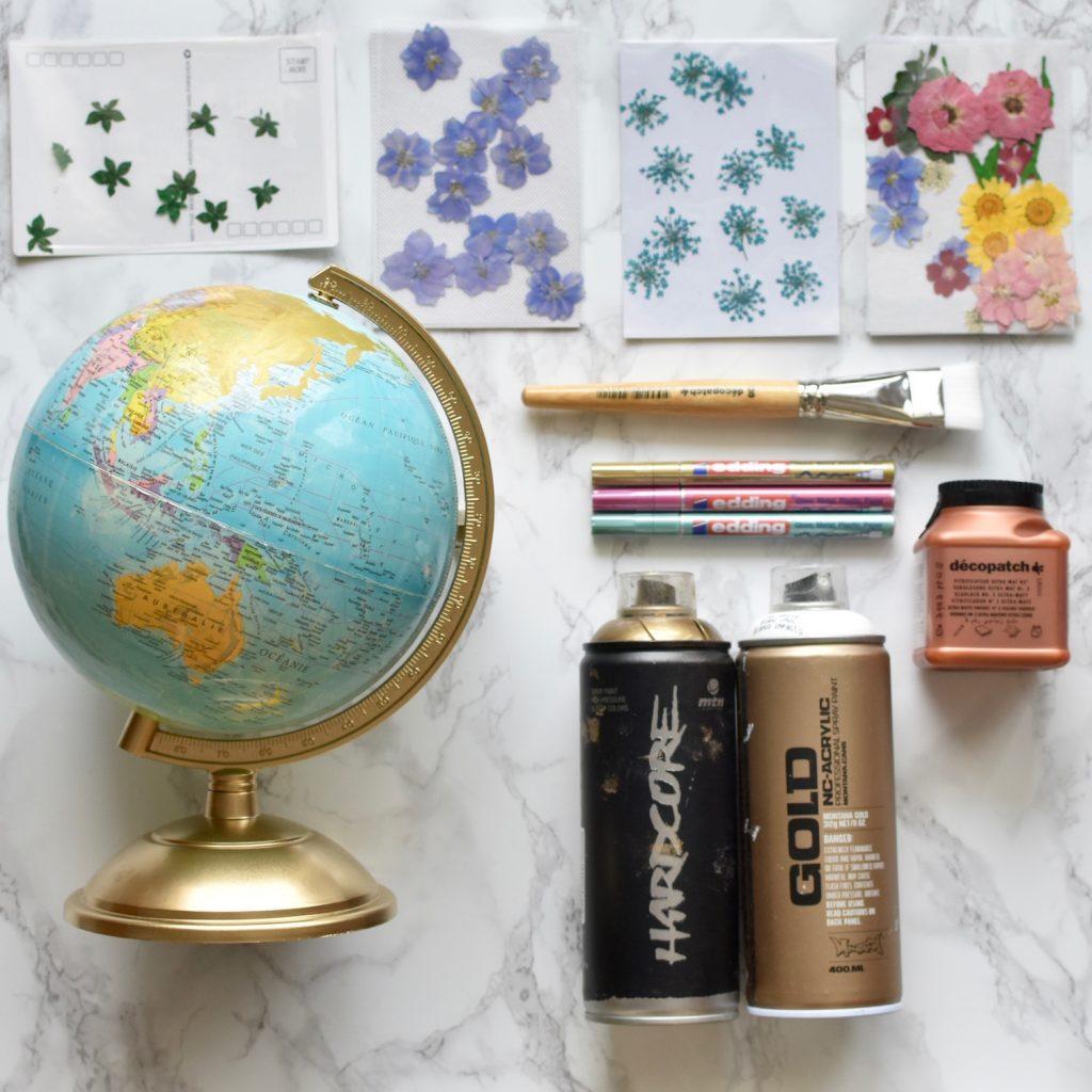materiel pour recycler un globe terrestre avec des fleurs sechees