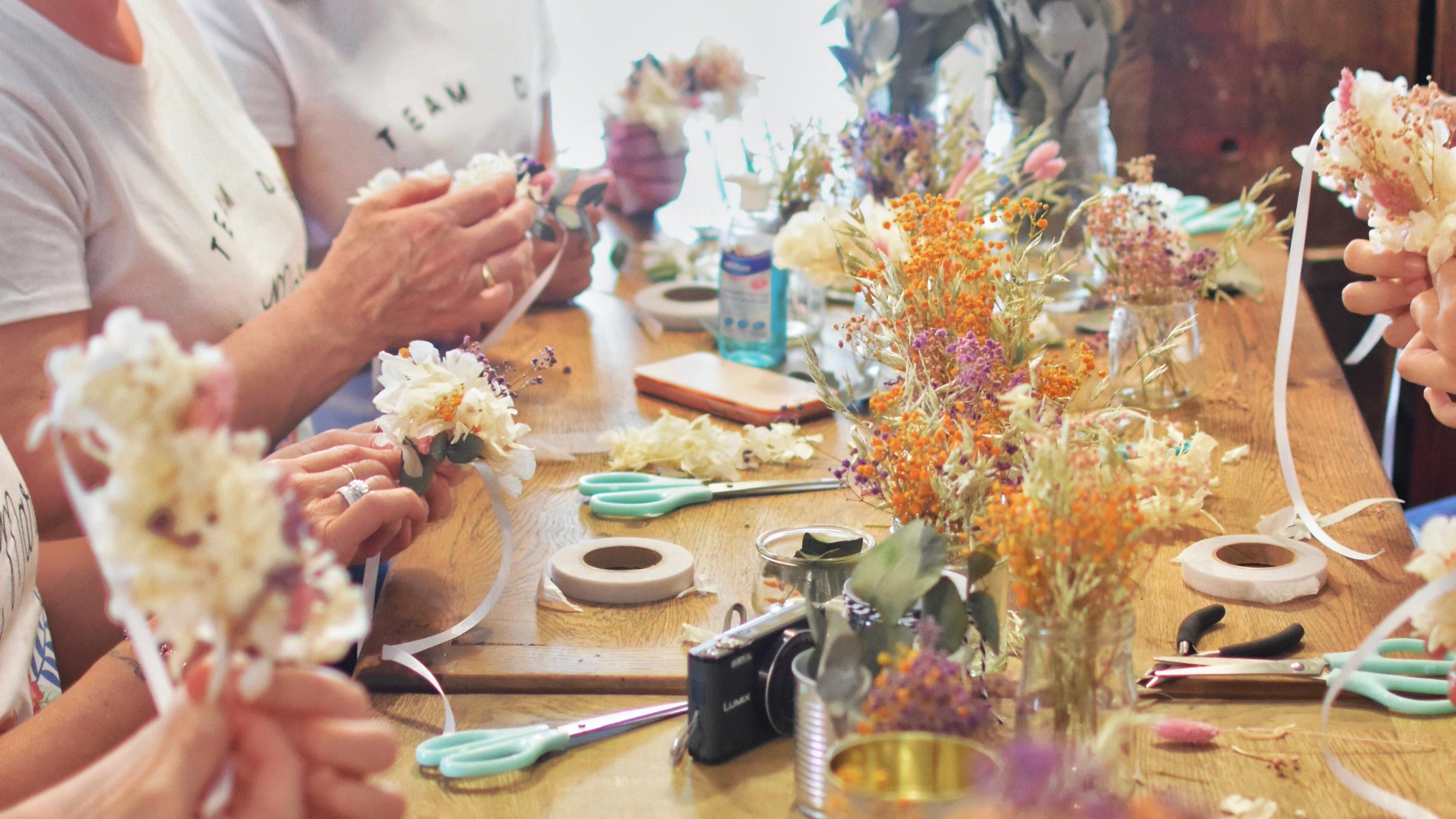 atelier-evjf-fleurs-séchées