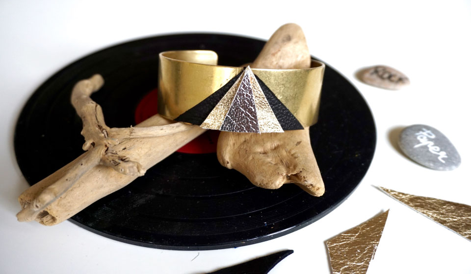 tuto pour un bracelet manchette en laiton et cuir geometrique