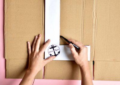 faire soi-même une lettre en carton à décorer